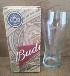 Kit com dois copos de cerveja Budweiser 400 ML