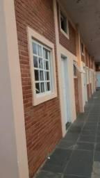Kitinete direto com o proprietário R$ 620,00, + água e luz, no Bairro Alto