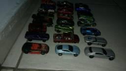 Hot Wheels lote com 24