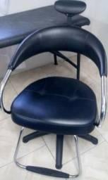 Cadeira cabeleiro e carrinho