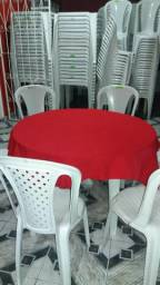 Mesas e cadeiras para aluguel