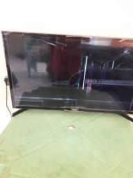 TV quebrada pra usar peças