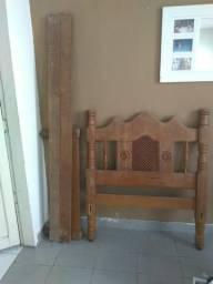 Cama de madeira solteiro. 991347417