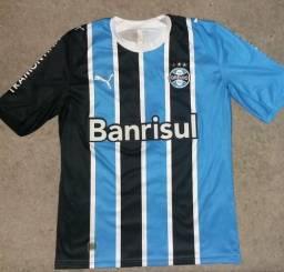 Futebol e acessórios no Brasil  563e0cba90def