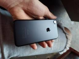 Vendo iPhone 7 preto 32gb