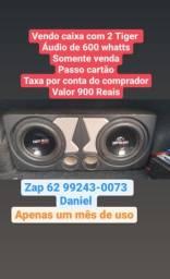 Vendo caixa com 2 Tiger áudio 600 whatts