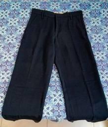 Calça social e calças jeans