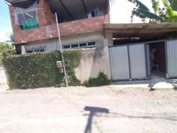 Casa com terraço e garagem