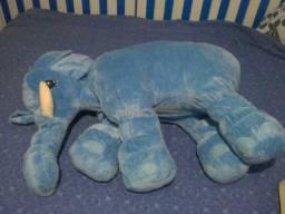Elefante gigante semi novo