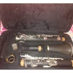 Vendo um clarinete novo por 800,reais