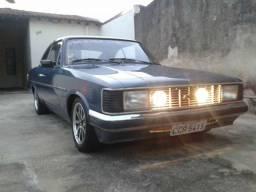 Opala 1982 carro bem conservado