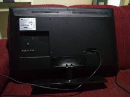 TV 32 polegadas quebrada