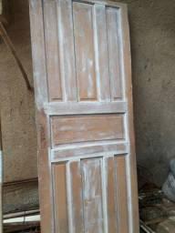 2 portas de madeiras