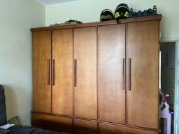 Vendo guarda roupa madeira