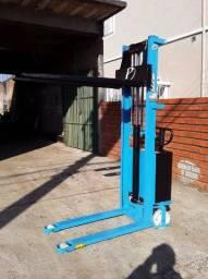 Empilhadeira elétrica Paletrans 1 ton 1,6 elevação