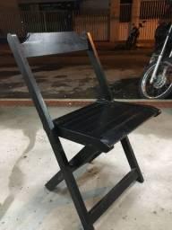 Vendo 10 cadeiras de madeiras pretas unidades