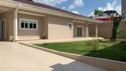 Casa de alto padrão no centro de Piraquara