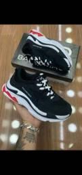 Tênis sapatos