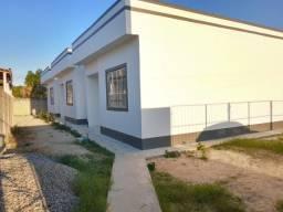 Casa linear com 2 quartos, sendo 1 suíte, em Parque Primavera