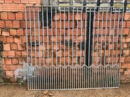 Vende-se portão