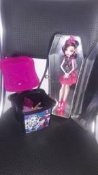Bolsa Caixão Porta Bonecas Monster High e Maleta Porta Acessórios