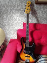 Baixo Fender Squier Modified