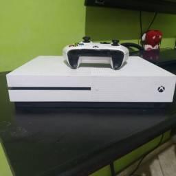 XBOX ONE S 1TB Minecraft Bundle branco