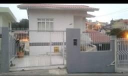 Casa no Beira-Mar, 4 quartos mobiliada. Bairro Agronomica