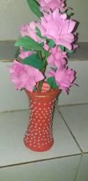 Jarro com flores em eva