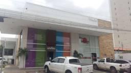 Porto Aluga: Uma loja na Av. Elias João Tajra