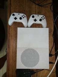 Xbox One S + dois controles