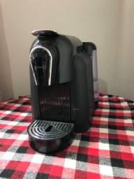 Máquina de café expresso Delta Q