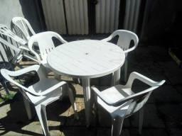 Conjunto de mesa com cadeiras (4)