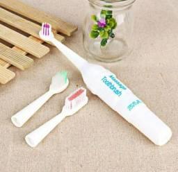 Escova de dentes elétrica com cerdas macias
