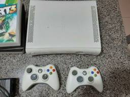 Xbox 360 Destravado + 2 controles originais + Jogos
