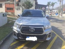 Toyota Hilux 2018 impecável