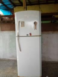 Refrigerador continental 700