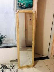 Espelho grande no precinho