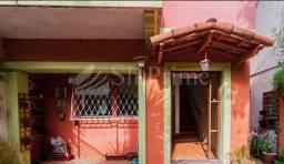 Casa na Pompéia - 4 dormitórios e 2 vagas - quintal e churrasqueira