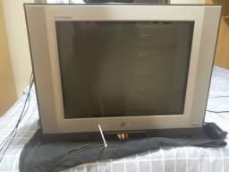 Vendo TV de Tubo + Conversor Digital.