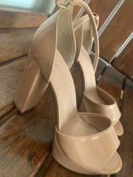 Sandália alta tamanho 36