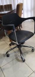 Cadeira Escritorio R$450,00