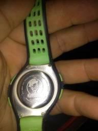 Vendo relógio esportivo Nike