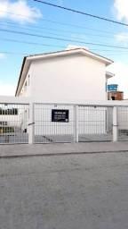 RL - Aluga casa prive 02 qtos em candeias 01 vaga de garagem casa nova