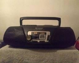 Micro System SHARP funciona o rádio AM FM e toca fitas k7.