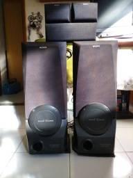 Caixas de som marca Sony modelo SS-B550AV com Super Woofer.