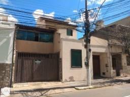 B = Nascente Estuda Propostas  Excelente Casa Duplex 03 Qts 01 Suíte, 185 M² !
