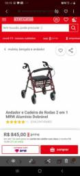 Andador e cadeira de rodas.