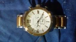 Vendo esse relógio