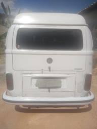 Compre a Kombi Standard R$ 18.000